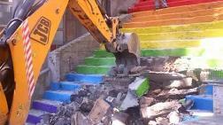 Karaköy'deki Boyalı Merdivenler Yıkılıyor