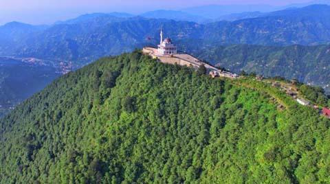 Kıble Dağı'nın Zirvesinde Yükselen Caminin İnşaatı Bitti