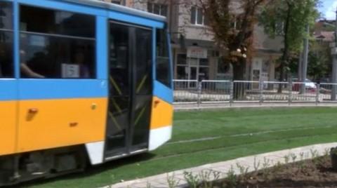 Sofya'nın Tramvay Hatları Çimleniyor
