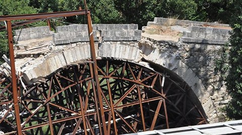 589 Yıl Ayakta Kaldı; Restorasyonu Sırasında Yıkıldı