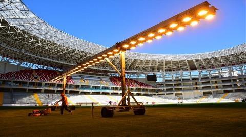 Türkiye'nin Güneş Enerjili İlk Stadı Antalya'da Yapılıyor