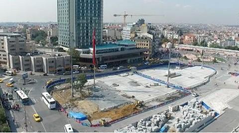 Taksim Meydanı'na Yağmur Suyu Kanalı Koymayı Unutmuşlar
