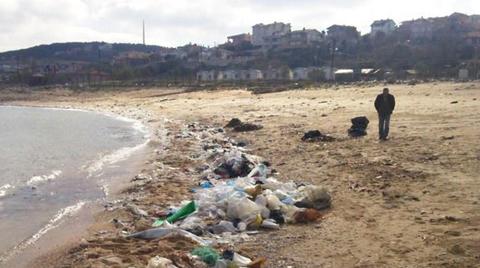 Karaburun Sahili Çöplüğe Dönüştü