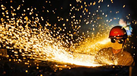 Çin'de Sanayi Şirketlerinin Kârı Düştü