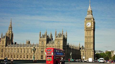 İngiltere Ekonomisi Yüzde 0.5 Büyüdü