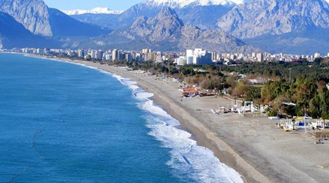 Dünyaca Ünlü Konyaaltı Sahilinde 70 Metrelik Kayıp