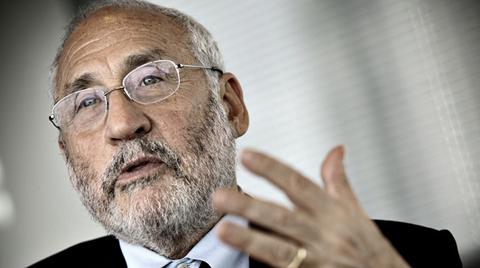 Ünlü Ekonomistten Global Ekonomide Resesyon Uyarısı