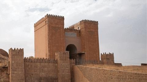 IŞİD 2 Bin Yıllık Tarihi Kapıyı Yok Etti