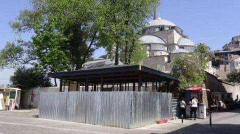 Mihrimah Sultan Külliyesi Önündeki Yapıya Tepki