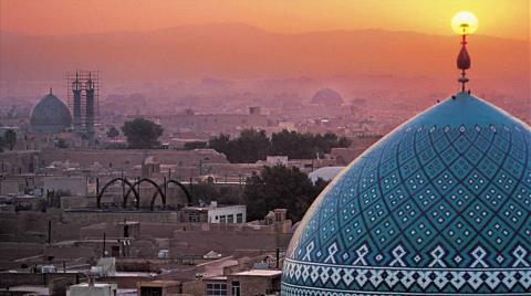 Türk Şirketler İran'da Sıraya Girdi