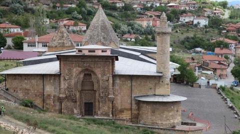 Tarihi Divriği Ulu Cami Restorasyona Alındı