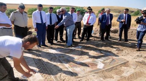 Kırıkkale'de Tarlada Roma Mozaik Kalıntıları Bulundu