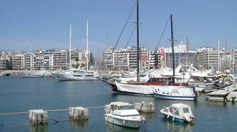 Yunanistan En Büyük Limanını Sattı