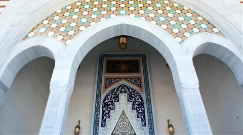 Yıldırım Beyazıt Camisi'ne El Yapımı Çini