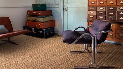 Ünlü Tasarımcının Yeni Koleksiyonu Kumaşlardan İlham Alıyor