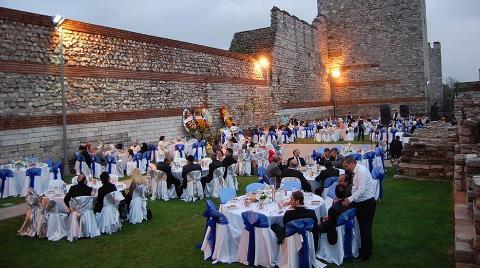 1600 Yıllık Surlar Düğün Salonu Oldu