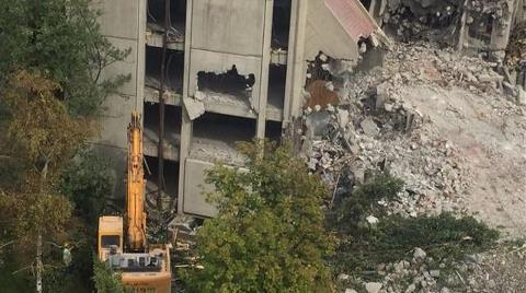 Meclis'in Ödüllü Binası Yıkıldı, Sıra Camide