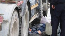 Temizlik İşçisi Beton Mikserinin Altında Kaldı