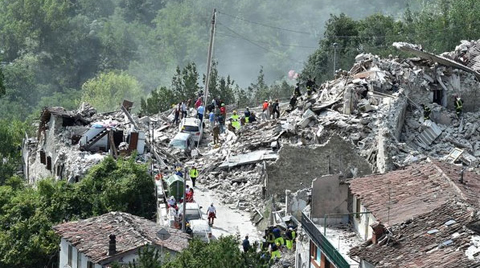 İtalya'da 6,6 Şiddetinde Deprem
