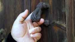 Tarihi Kapı Tokmakları Yok Oluyor