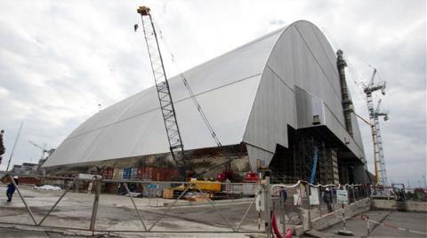 Çernobil'e Dev Çelik ve Beton Kalkan