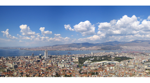 İzmir'deki Konutların Yüzde 65'i Riskli!