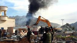 İsrail Filistinlilere Ait 1023 Yapıyı Yıktı!