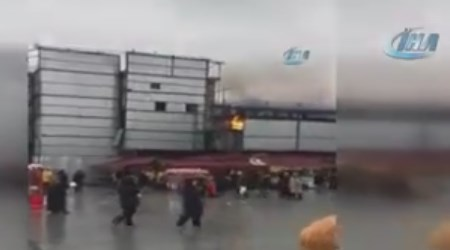 Mısır Çarşısı'nda Yangın