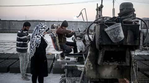 İki Kadın Mühendis Gazze'deki İnşaat Malzemesi Sıkıntısını Çözdü