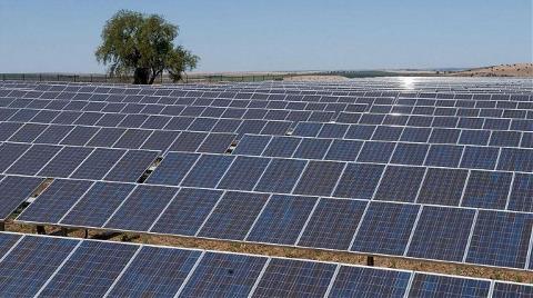 Burdur'a 7,4 Milyon Dolarlık Güneş Santrali