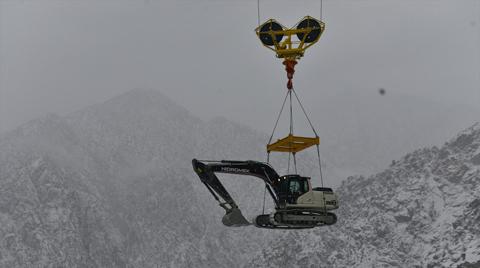 İş Makineleri, Baraj İnşaatına Havadan Taşındı
