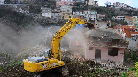Ankara'da 17 Bina Güvenlik Gerekçesiyle Tek Tek Yıkıldı