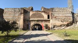 2000 Yıllık Surlarda Restorasyon Başladı