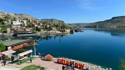 Fırat Nehri'ne 'Yüzen Oteller' Geliyor