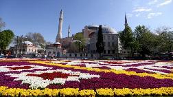 Sultanahmet'te 'Lale Halısı' Hazırlandı