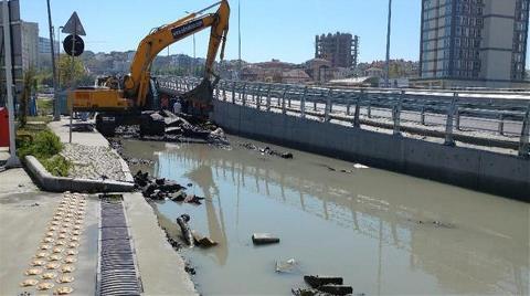 Kazı Çalışması Su Borusunu Patlattı