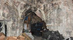 İzmir'de Tarihi Hamam Yıkılmaktan Kurtuldu