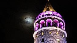 Erguvan Rengi İstanbul'daki Tarihi Eserlere Yansıdı