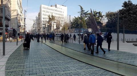 İstiklal Caddesi'nde Granit Tartışması