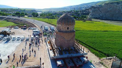 Bakan Eroğlu Taşınan Zeynel Bey Türbesi İçin Helallik İstedi