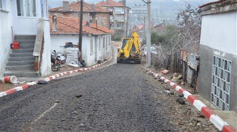 Belediye Yola Kanser Döşedi