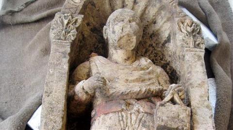 1500 Yıllık Rahip Heykeli Müze Bahçesinden Çalındı