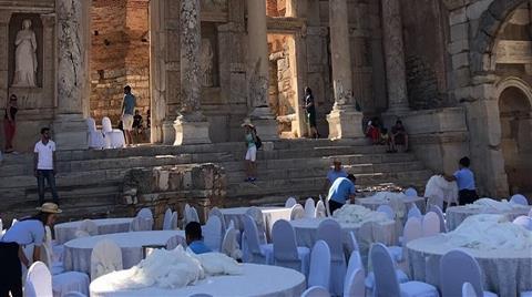 """Efes Antik Kenti'nde """"Düğün"""" Yaptılar!"""