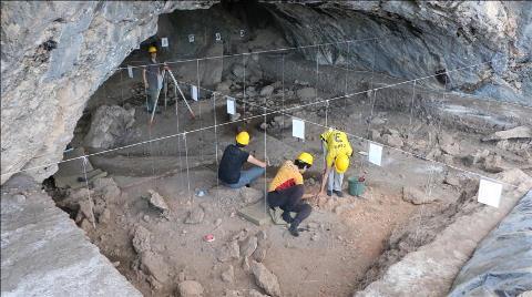 Kahramanmaraş'ta 'Mağara İçi İlk Yapı Örnekleri' Bulundu