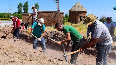Eski Ahlat Şehri Kazıları Başladı