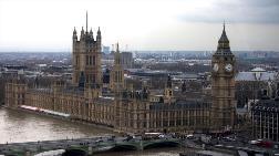 İngiltere'de İnşaat Sektörü Büyümesi 11 Ayın Dibinde