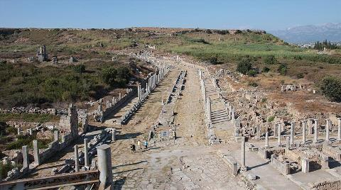Perge'nin Helenistik Kuleleri Restore Edilecek