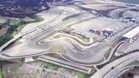 Formula 1 Pisti Otopark Oldu