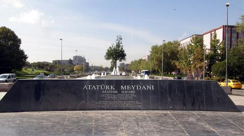 Meclis'in Önündeki Atatürk Meydanı ve Anıtı Yıkıldı