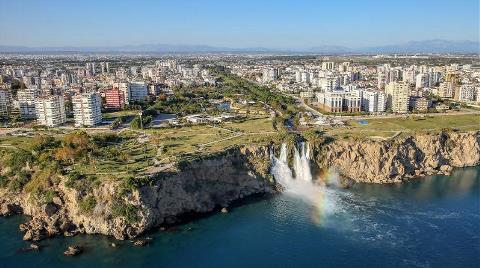 Akdeniz Yokuş Aşağı Yuvarlanıyor